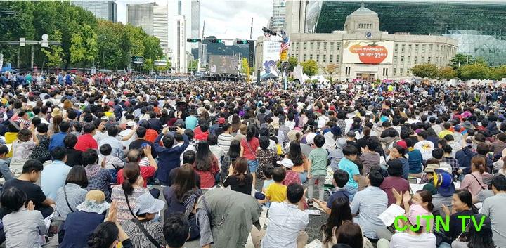 한국교회언론 보도 광화문 35만 운집02.jpg