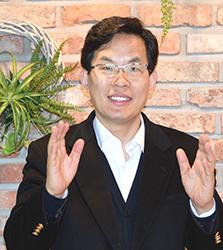 근대문화진흥원 이효상원장.JPG